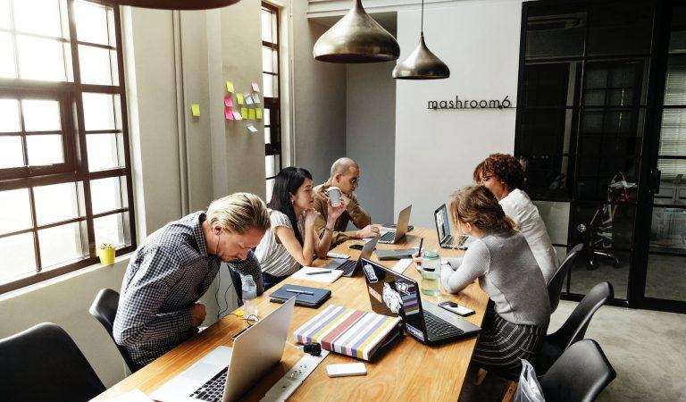 Zo besparen internet startups op kosten