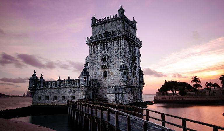 Travelling Portugal By Car: All you need to know